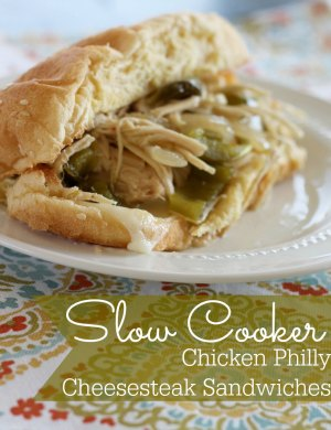 slow cooker chicken philly cheesesteaksandwiches1 Slow Cooker Chicken Philly Cheesesteak Sandwiches