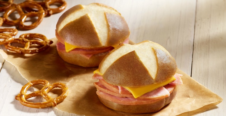 delights-smoked-ham-with-sharp-cheddar-cheese-on-a-pretzel-bun-1152x380-2