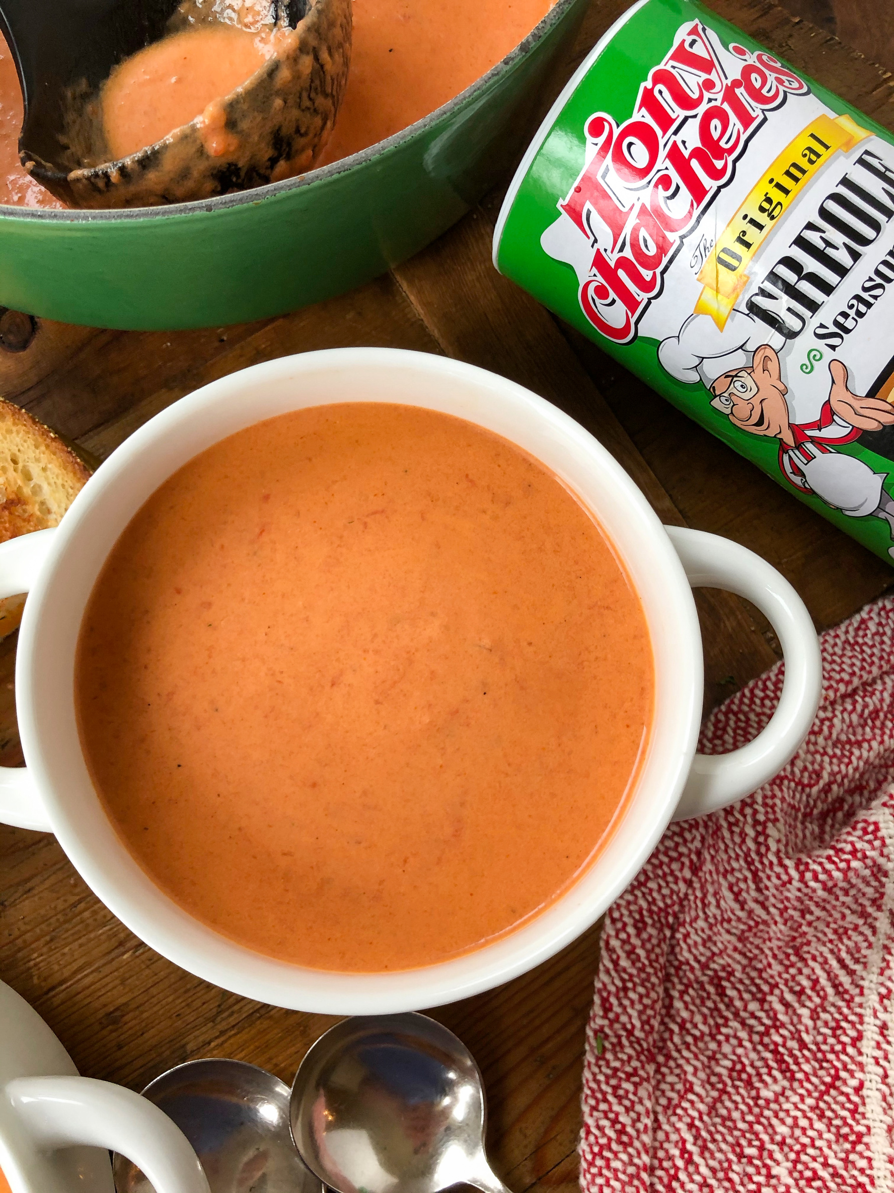 Cajun Tomato Bisque - Easy & Delicious Weeknight Recipe Your Family Will Love! on I Heart Publix 1