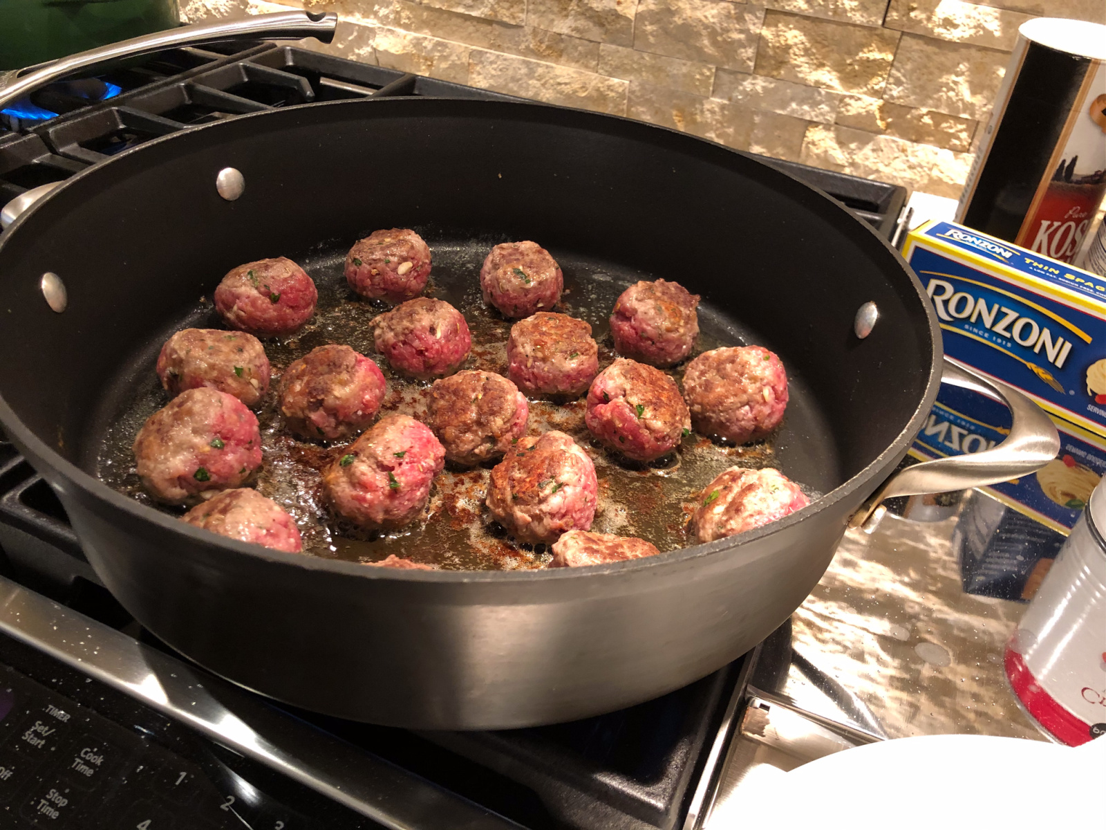 One-Pot Thin Spaghetti And Meatballs - Amazing Recipe To Go With The Ronzoni BOGO Sale! on I Heart Publix 4