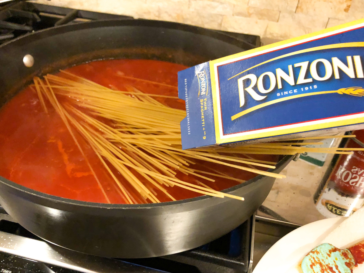 One-Pot Thin Spaghetti And Meatballs - Amazing Recipe To Go With The Ronzoni BOGO Sale! on I Heart Publix 5
