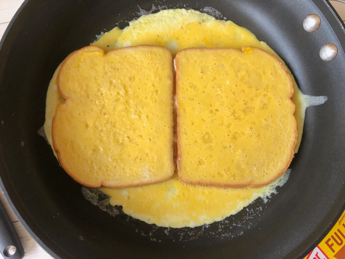 Bacon & Cheese Omelet Sandwich on I Heart Publix 1