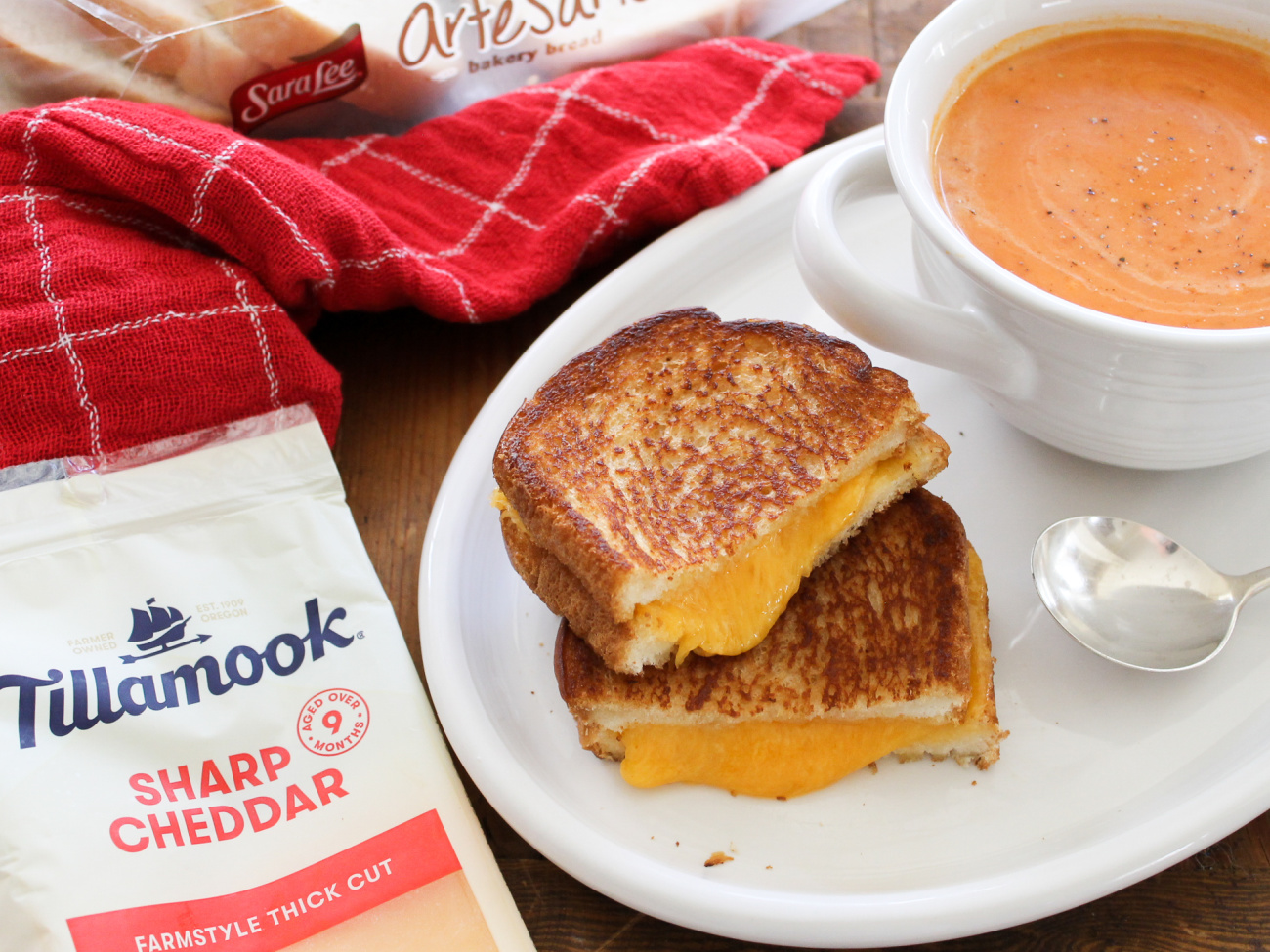Don't Miss Your Chance To Save On Delicious Tillamook Cheese & Upgrade Your Grilled Cheese on I Heart Publix 1
